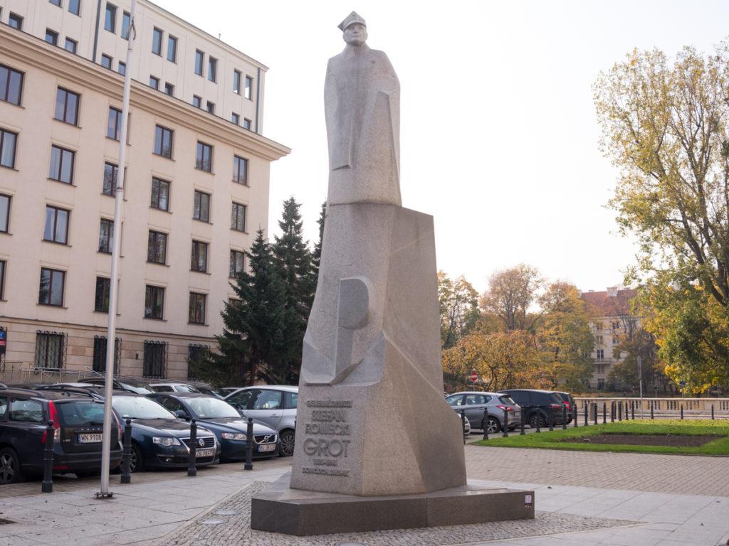 "Denkmal von Stefan Rowecki ""Grot"""