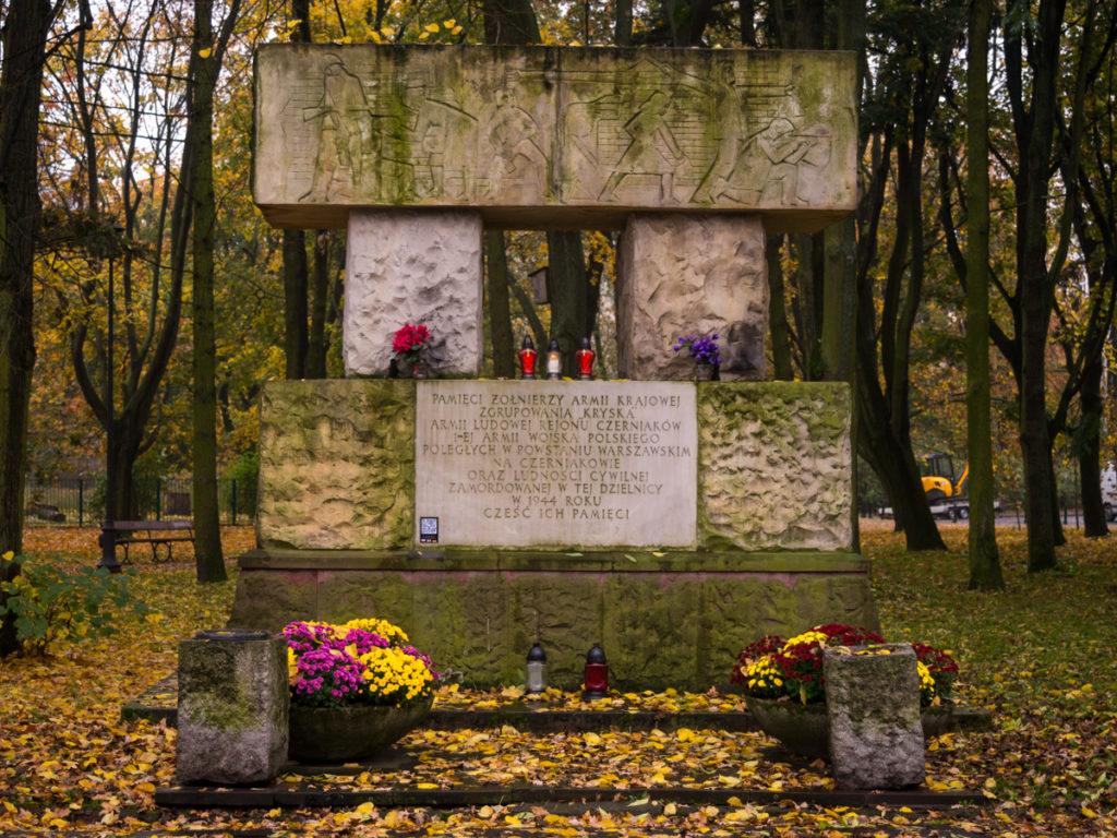 Denkmal für die Aufständischen von Czerniaków und für die Soldaten der Polnischen Volksarmee