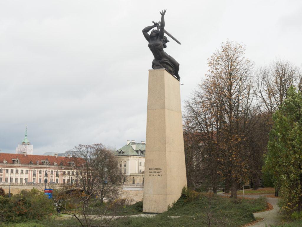 """Das Denkmal von den Helden Warschaus """"Nike"""""""
